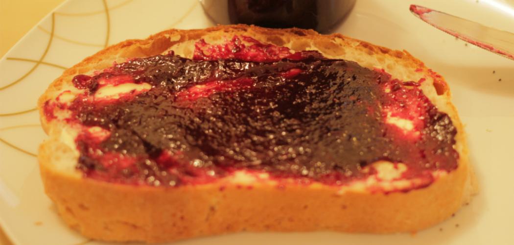 apfel trauben marmelade mit vanille mofroshi. Black Bedroom Furniture Sets. Home Design Ideas