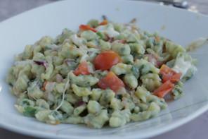 Bärlauch-Spätzle mit Tomate-Mozzarella